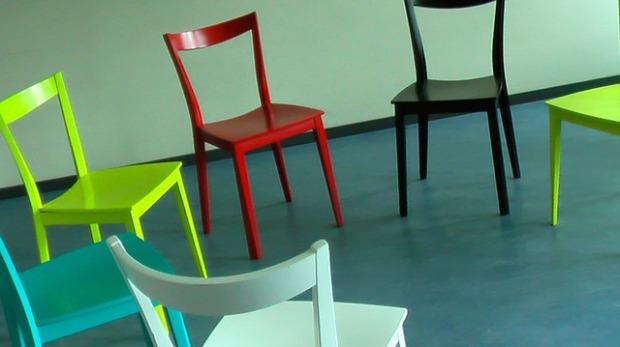 cerchio-sedia-terapia-sedie_121-58475